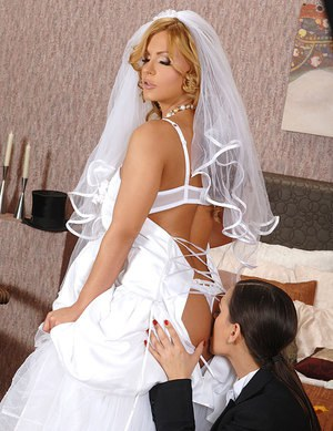 Big Ass Bride Porn